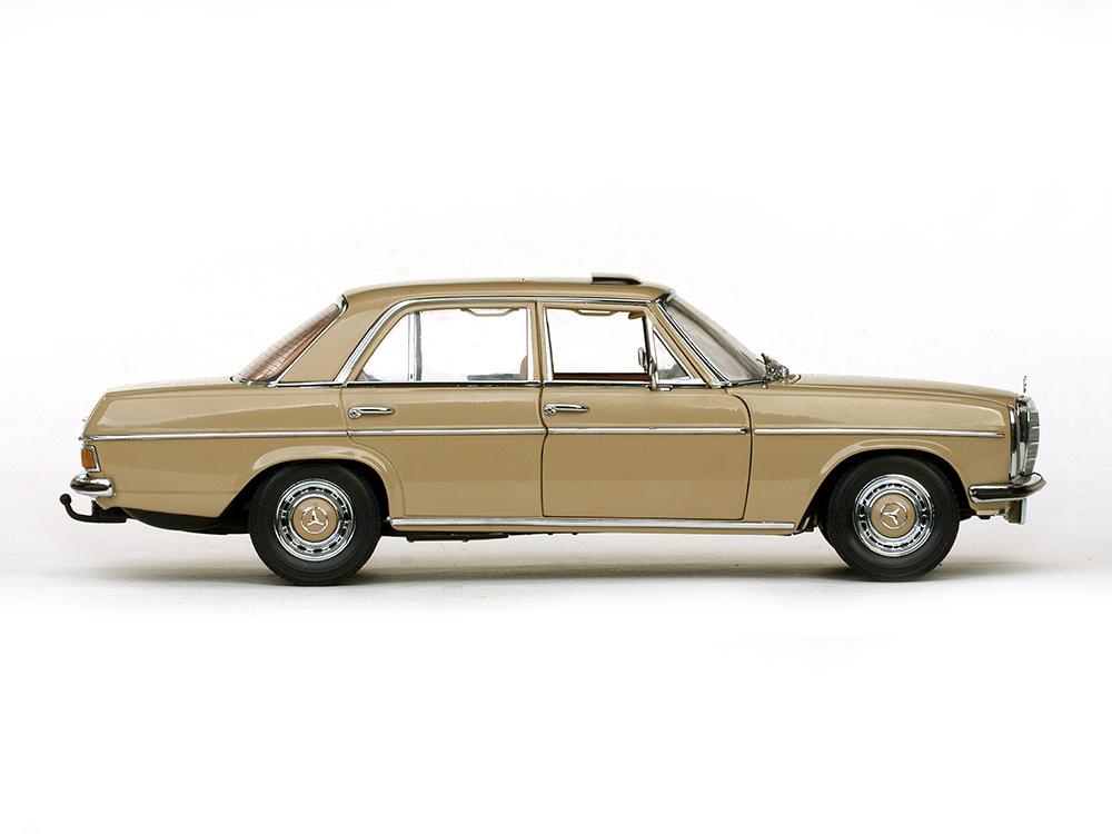 Mercedes benz strich 8 saloon beige 1968 1 18 4578 sun for Mercedes benz collection