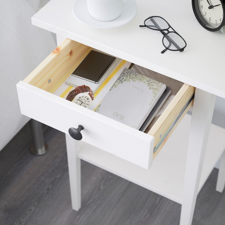 Ikea hemnes ablagetisch holz wei beistelltisch nachttisch for Beistelltisch schmal holz
