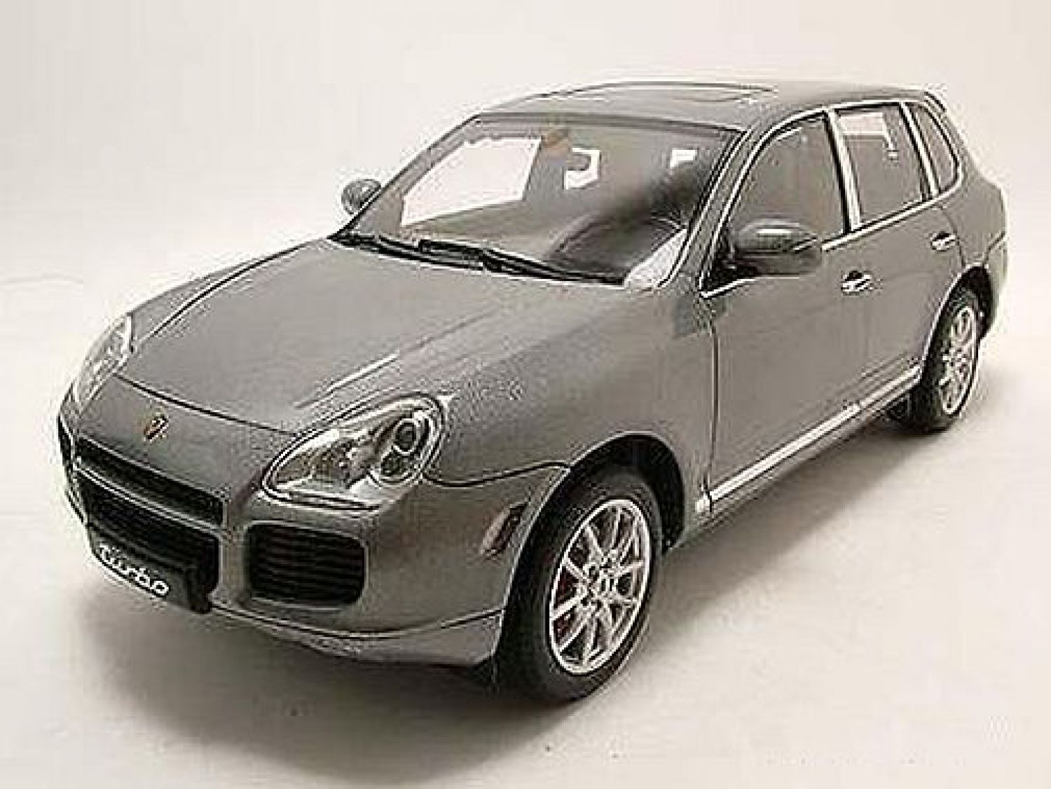 porsche cayenne turbo grau metallic modellauto 1 18. Black Bedroom Furniture Sets. Home Design Ideas