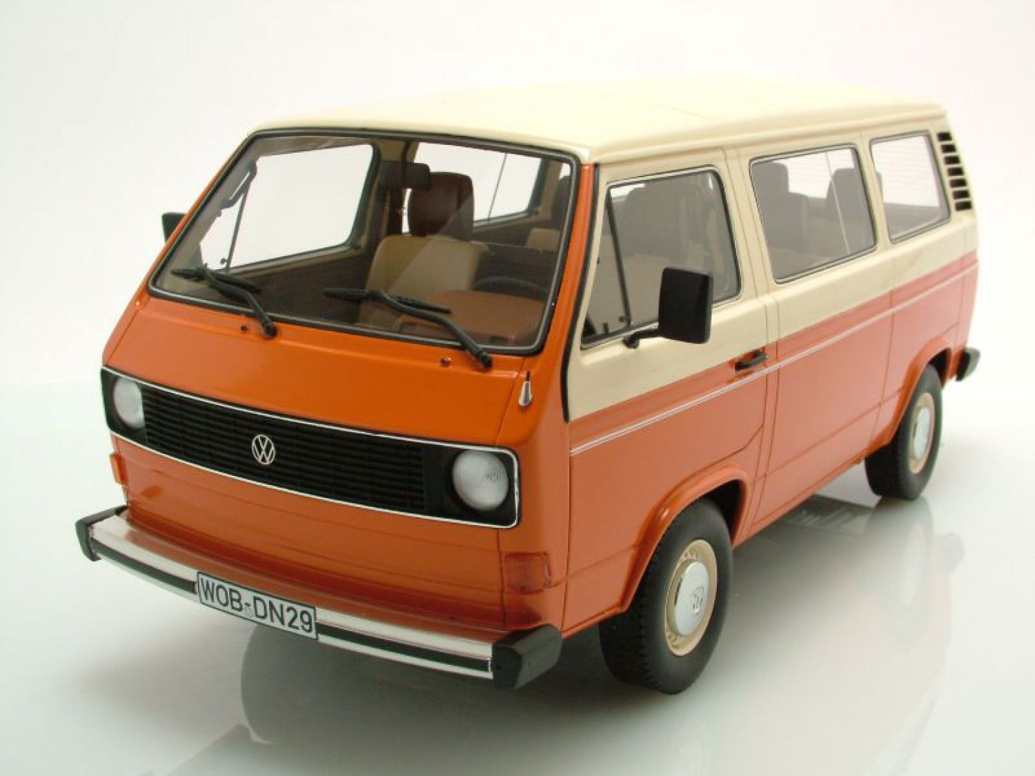 vw t3 bus naranja beige coche a escala 1 18 premium classixxs ebay. Black Bedroom Furniture Sets. Home Design Ideas