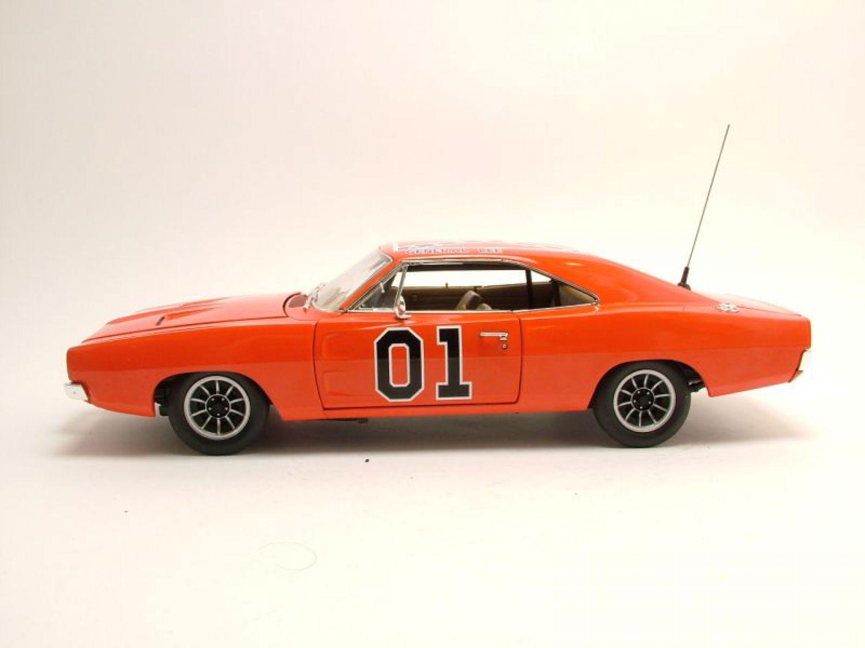 dodge charger 1969 general lee the dukes of hazzard model car 1 18 ertl ebay. Black Bedroom Furniture Sets. Home Design Ideas