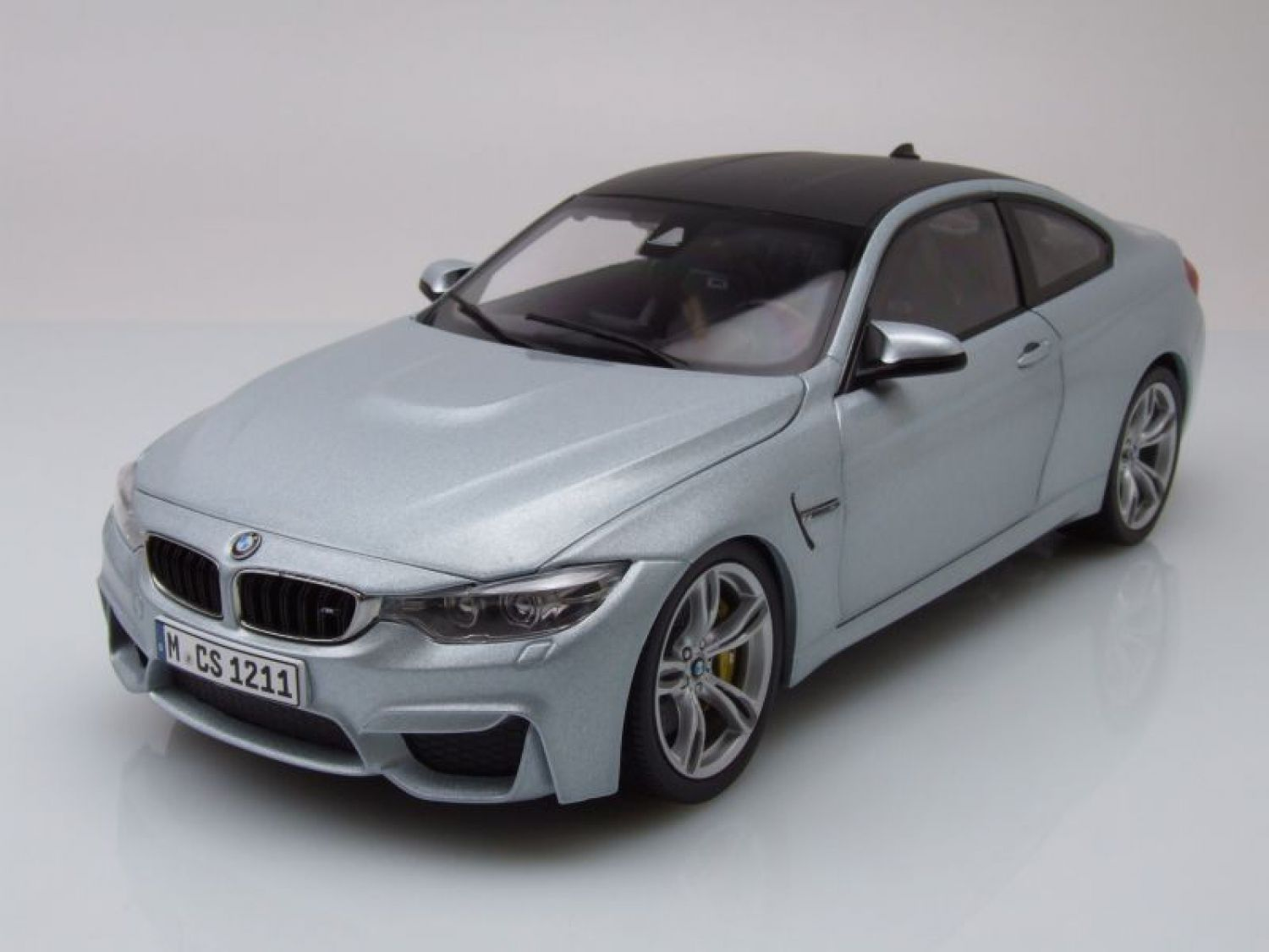 bmw m4 coupe f82 2014 silver gray metallic model car 1. Black Bedroom Furniture Sets. Home Design Ideas