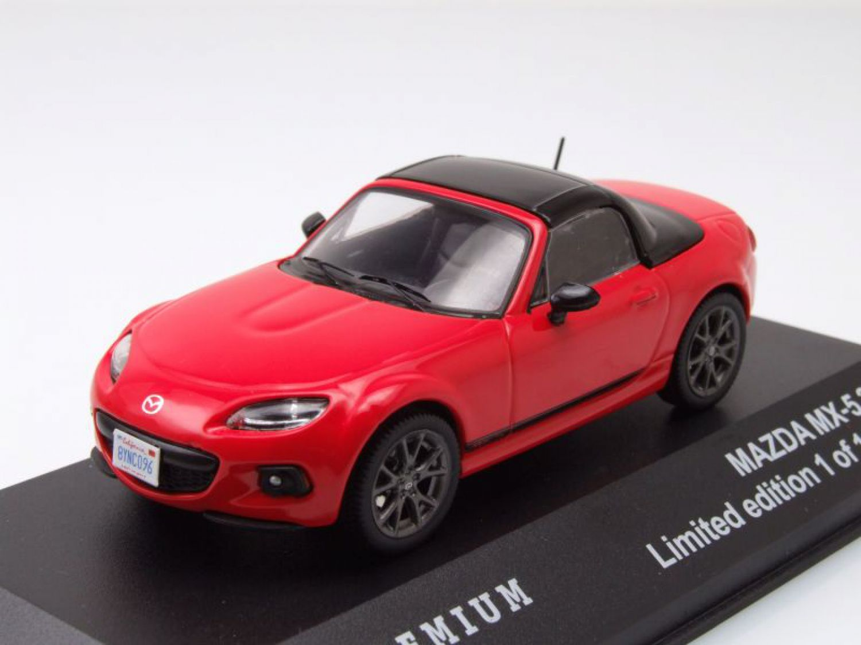 mazda mx 5 cabrio geschlossen 2013 rot modellauto 1 43 triple9. Black Bedroom Furniture Sets. Home Design Ideas