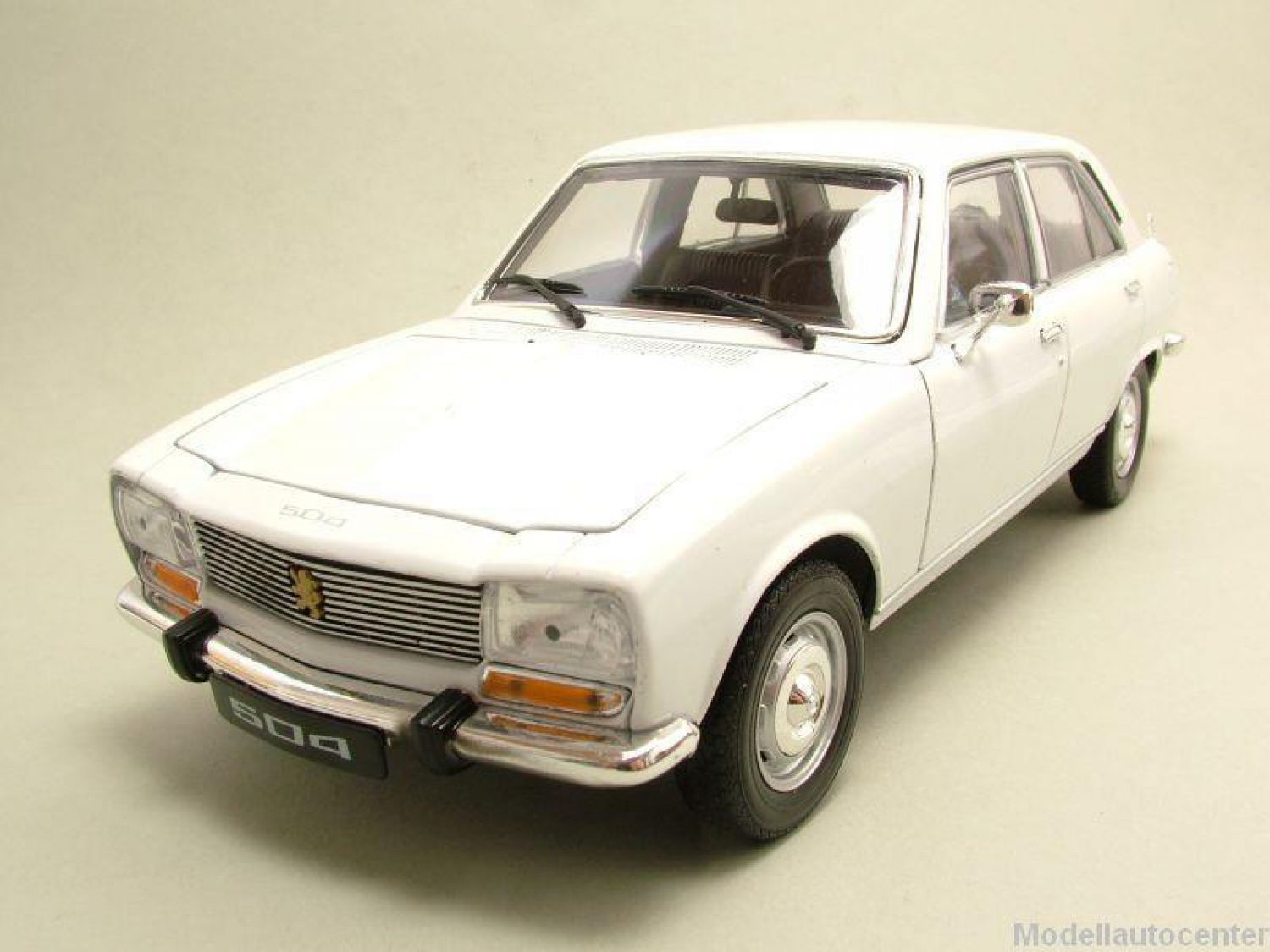 peugeot 504 1975 blanc mod le de voiture 1 18 welly ebay. Black Bedroom Furniture Sets. Home Design Ideas