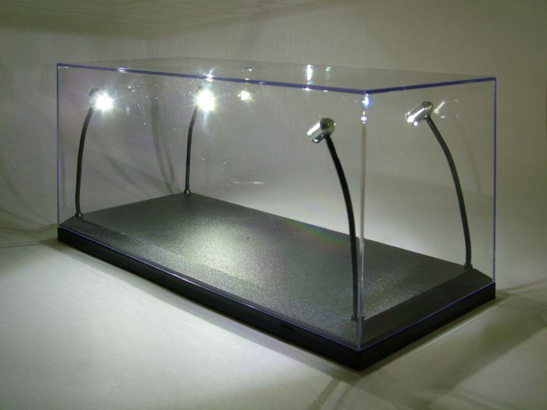 klarsichtbox vitrine mit led beleuchtung f r 1 18. Black Bedroom Furniture Sets. Home Design Ideas